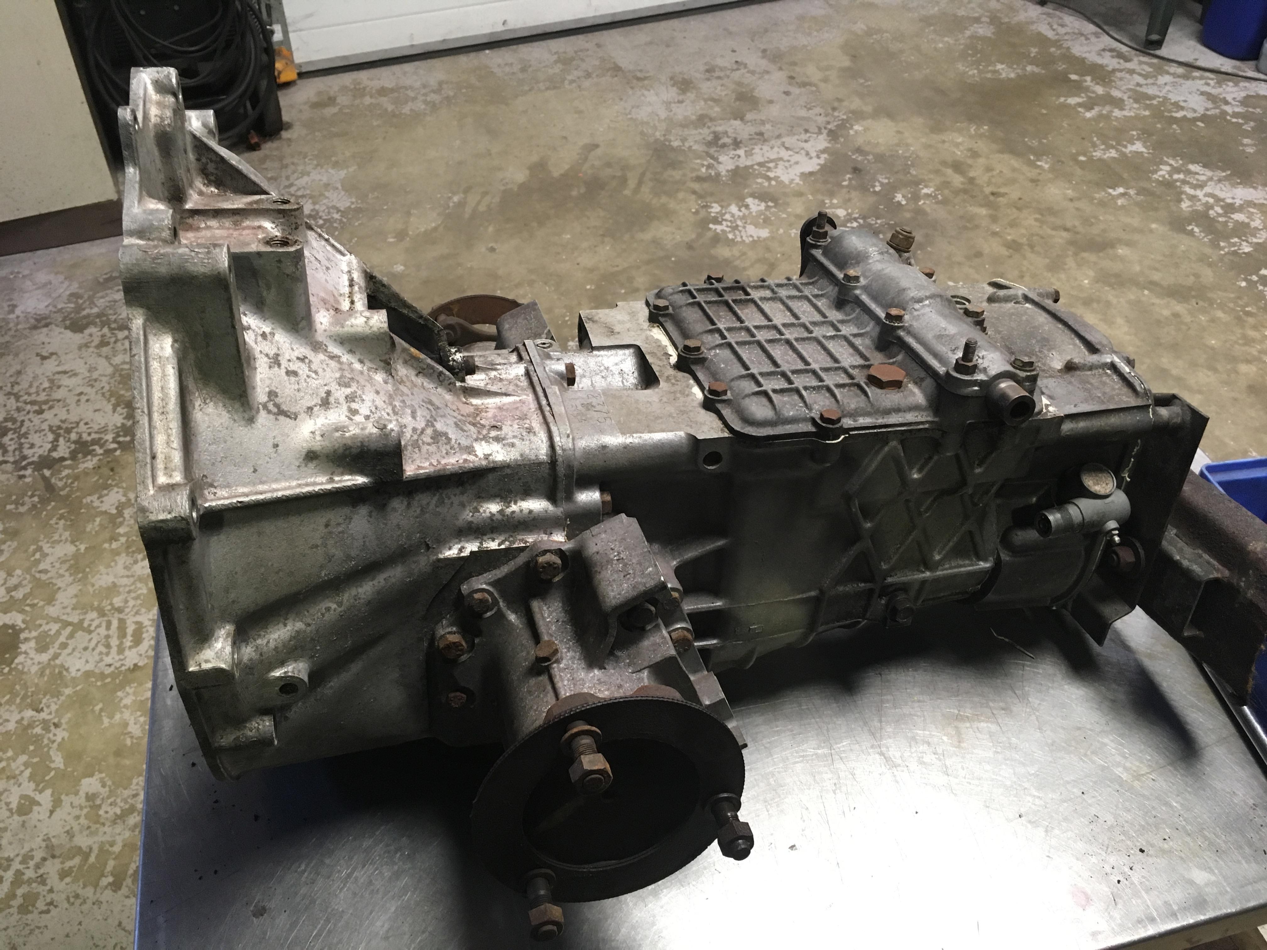 Lotus Esprit S3 Citroen gearbox input shaft replacement - Esprit Engineering gearbox rebuilding service- S1 S2 S3 S3 Turbo