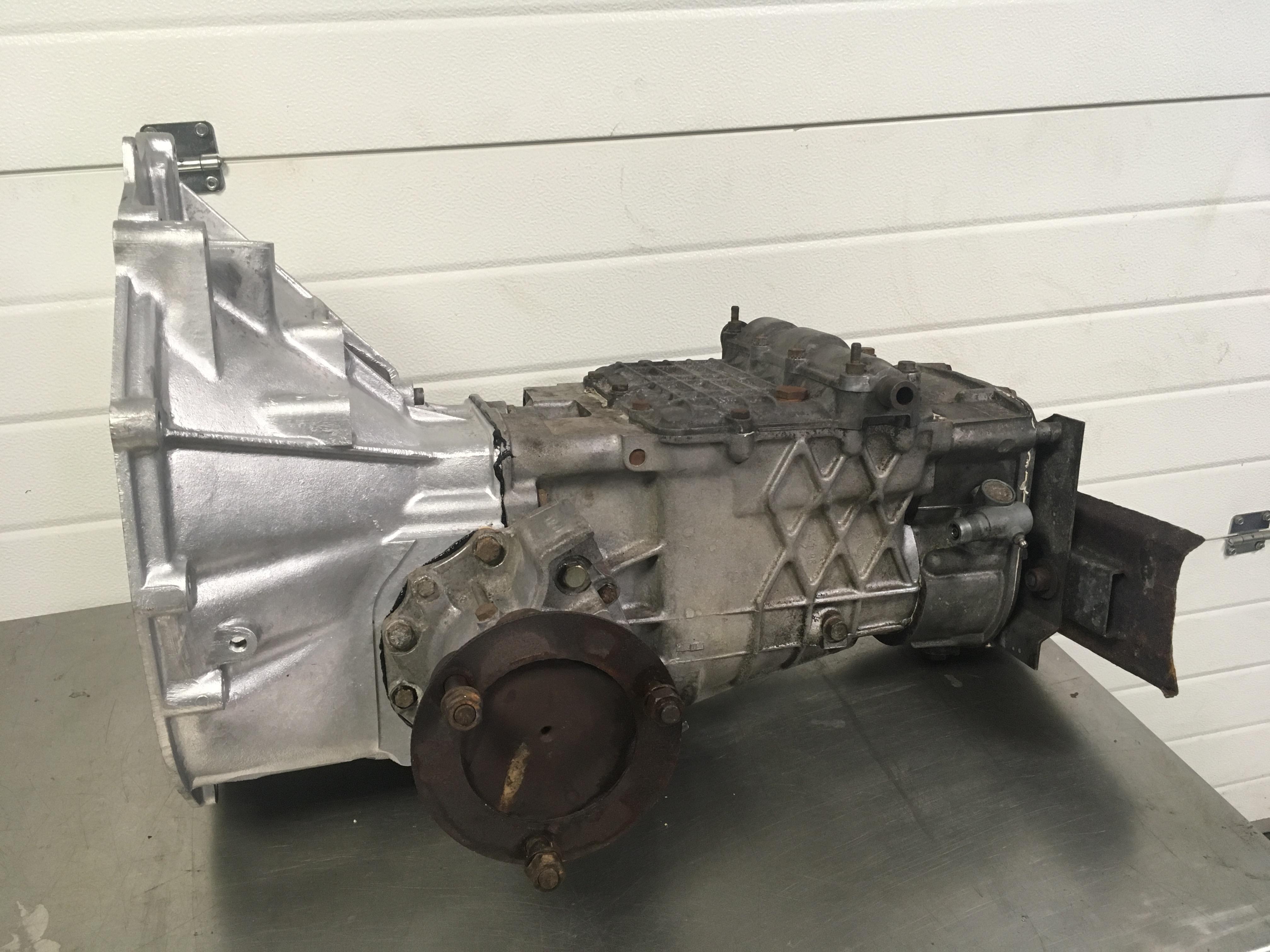 Lotus Esprit Renault UN1 Gearbox finished  - Gearbox Rebuilding Service - V8 S4S S4 SE X180